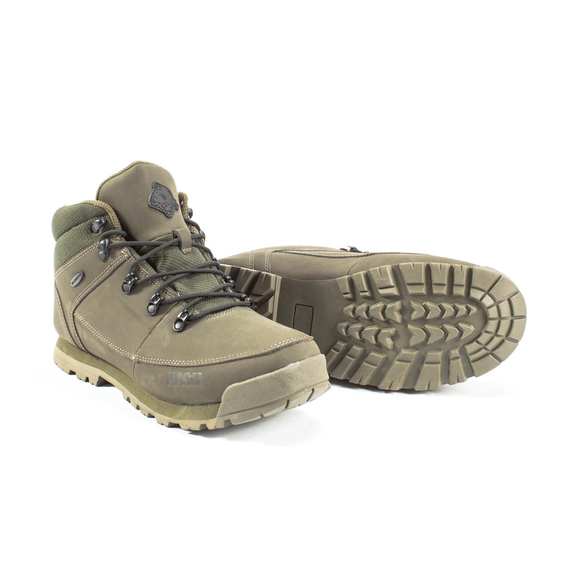 p.p1 {margin: 0.0px 0.0px 0.0px 0.0px; font: 6.0px 'Brandon Text'}    ZT Trail Boots