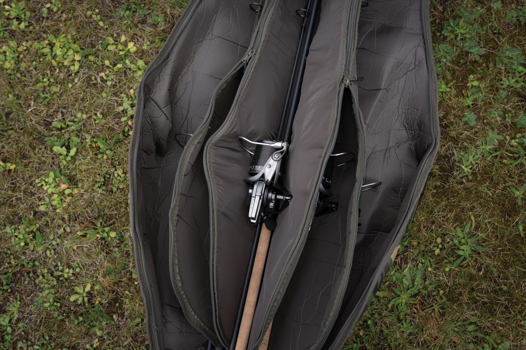 The padded protection on the 5/6 Rod Holdall is off-the-scale