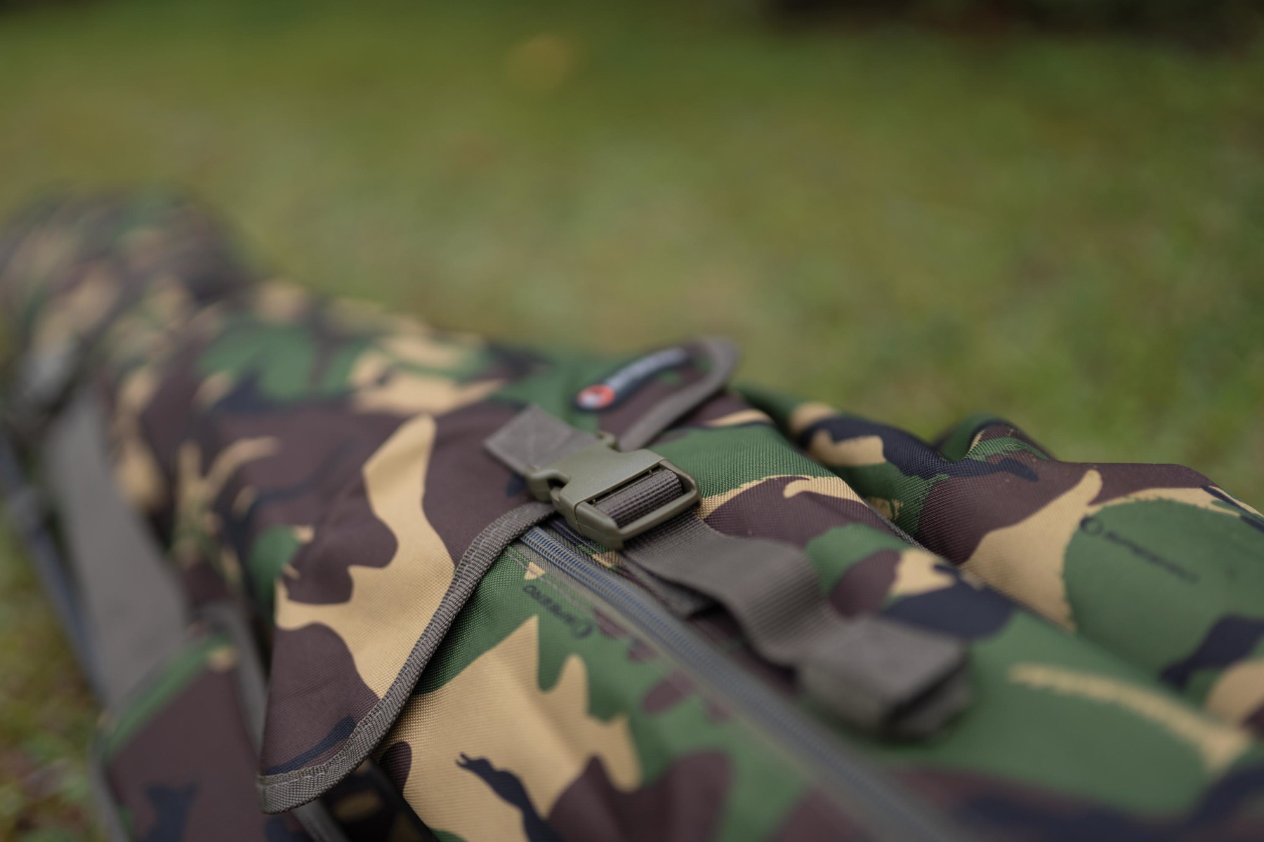 Plus two external pockets for nets, slings, retainers and a brolly-type bivvy