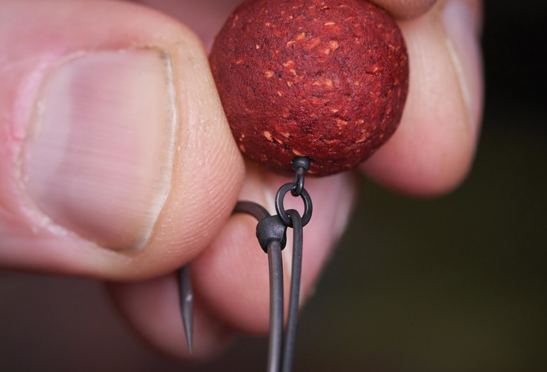 For cork-dust wafters that I want to 'hover' above the hook, a hook ring swivel works best