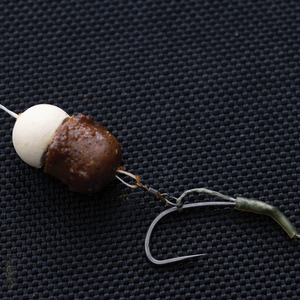 8. Mount your chosen hookbait on a doubled-over piece of floss.