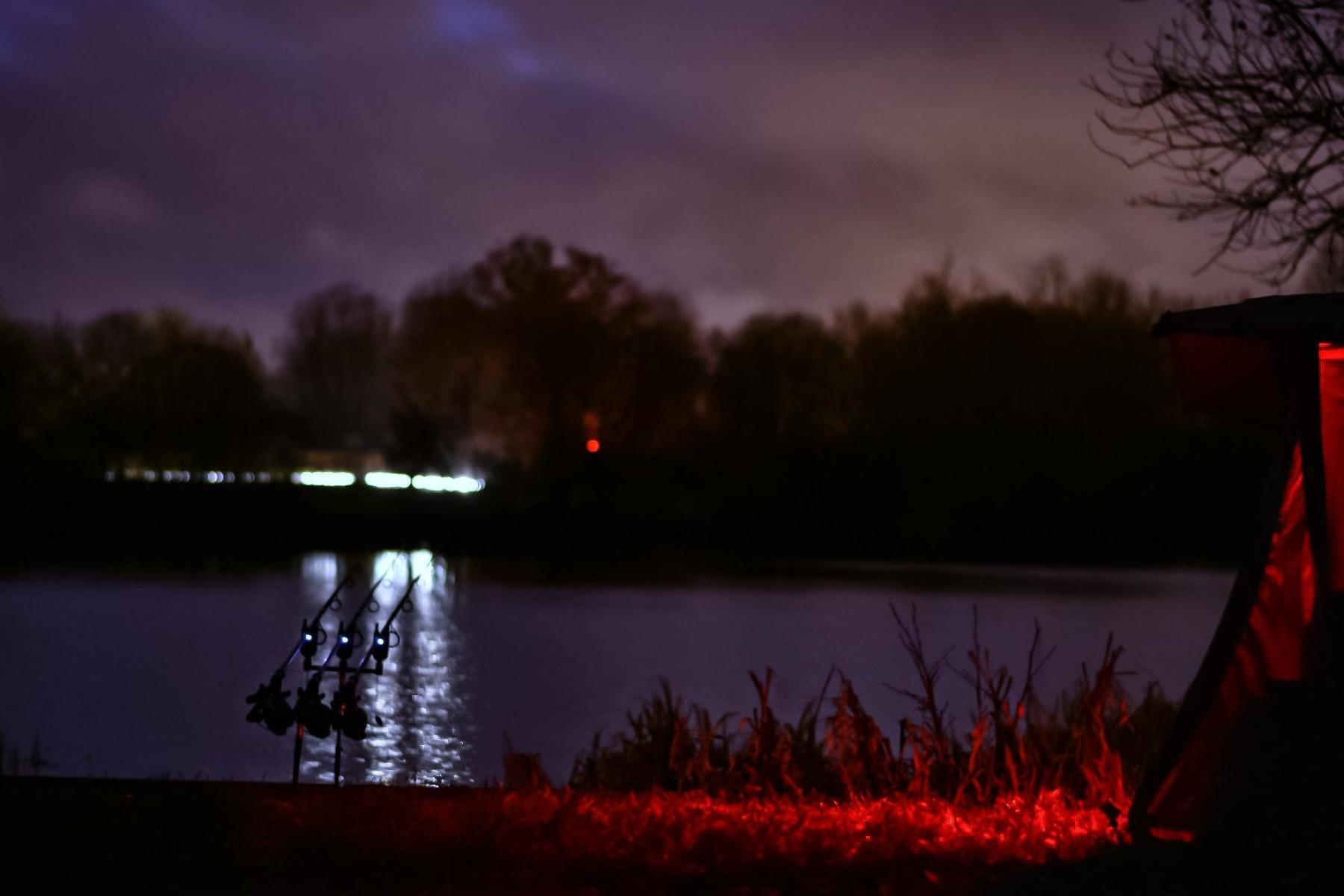 NIGHT-LIGHTS! 15 second exposure f1.8 50mm